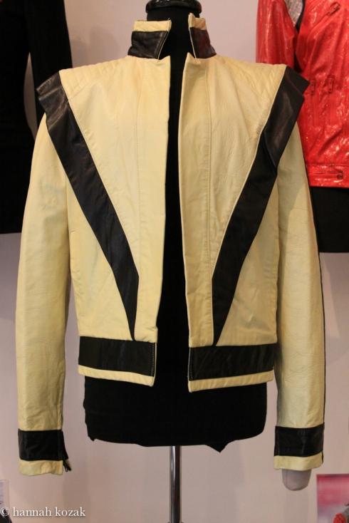 Michael jacksons costumes at juliens auctions hannahkozaks blog a solutioingenieria Choice Image