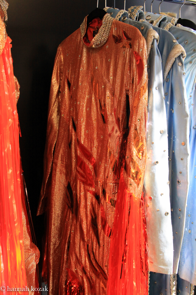 Red ... & Michael Jacksonu0027s costumes at Julienu0027s Auctions | hannahkozaku0027s blog