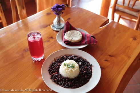 Frijoles, arroz, tortillas de maiz y jamaica: Lunch at Laguna Lodge, Lake Atitlan
