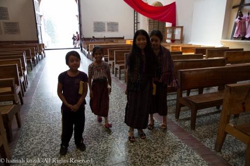 Children inside Iglesia Parroquial Santiago Apostol